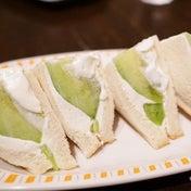 【茨城の力を思い汁】ジューシー過ぎるメロンサンドは必食の価値あり!