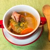 丸ごとキャベツのトマトスープ煮込みとざっくりハンバーグ