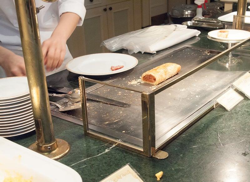 東京ディズニーランドホテルのアップルパイ