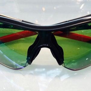 オークリーカーブサングラスに高性能度付きサングラスレンズ加工が激安です!の画像