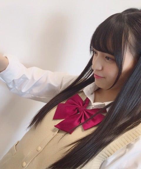 ベストを着た清井咲希