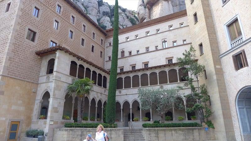 ヨシとユッコのブログ2017年5月バルセロナ旅行・・・4日目:その4(モンサラットのサンタ・コバと修道院)