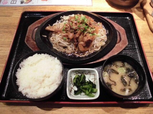 豚肉と野菜の鉄板焼きセット