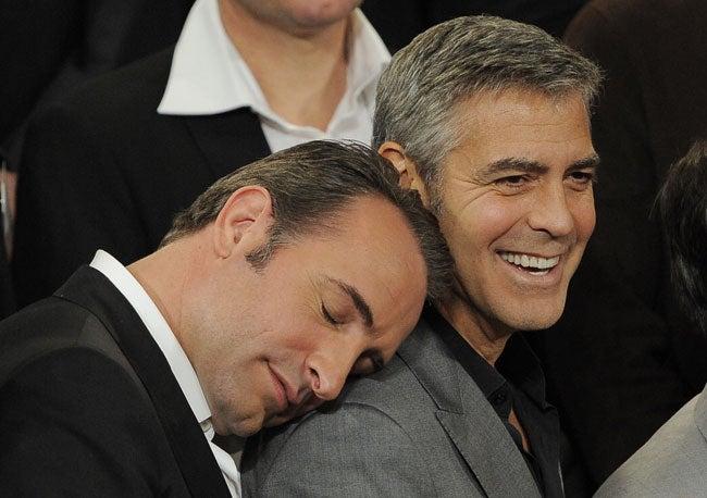 かっこいいジョージクルーニーの肩にもたれかかりたい