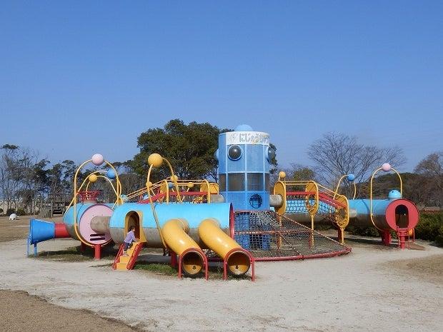 松浦河畔公園の大型複合遊具が新...