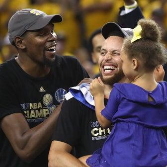 NBA:僕たちはそうでなくなるまで1つのグループ/ケビン・デュラントはウォリアーズ