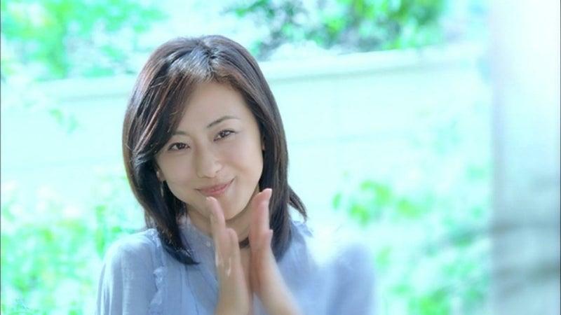 女優 cm ジャワ カレー