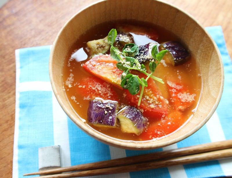 夏野菜を食べよう!トマトと焼き茄子のお味噌汁