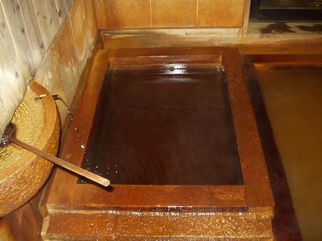 毒沢 鉱泉