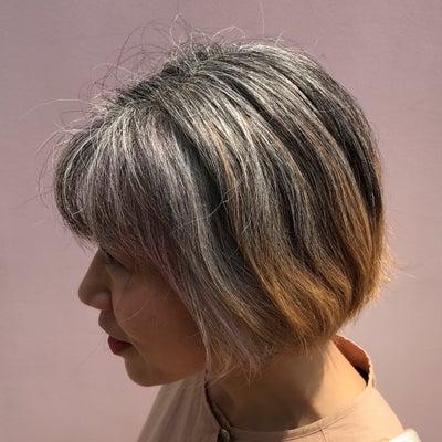 白髪美人はどれ? 光による白髪の見え方、実験しましたの記事に添付されている画像