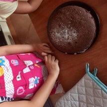 娘のケーキ作り。