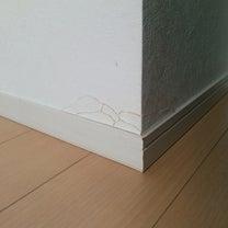【3D壁紙シート】で破れを隠すの記事に添付されている画像