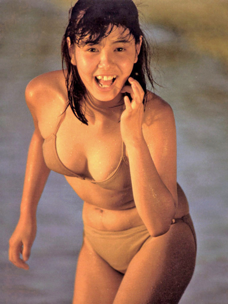 芳本美代子さんの水着