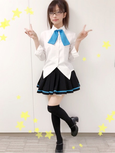 ミニスカート姿の立花理香さん