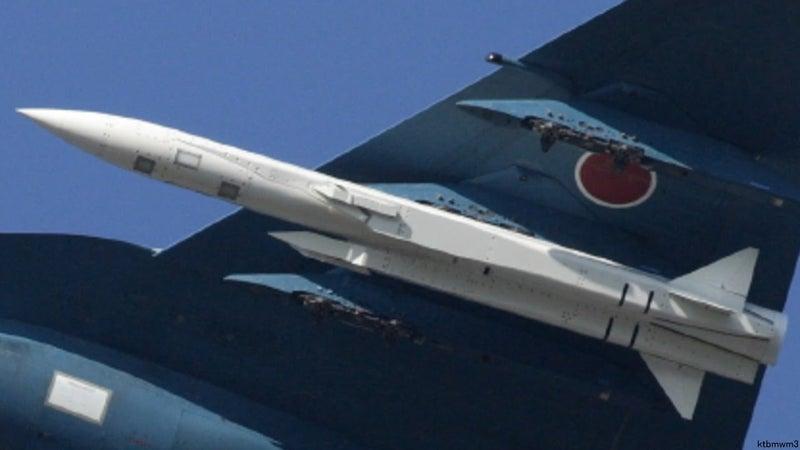 親父と息子の口喧嘩親父と息子の口喧嘩(国産初、超音速の空対艦ミサイルを来年度導入へ)