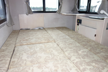 軽キャンパー AZ-MAX ラクーン ベッド