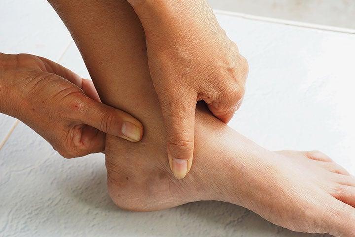 有 痛 性 外 脛骨 障害