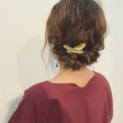 ミディアムヘアの簡単アップアレンジ♪