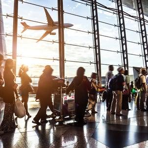 海外旅行の空港乗り換えで便利な英会話の画像