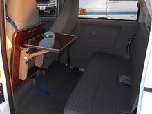 軽キャンパー ドリームミニ オプション 助手席テーブル 立てる