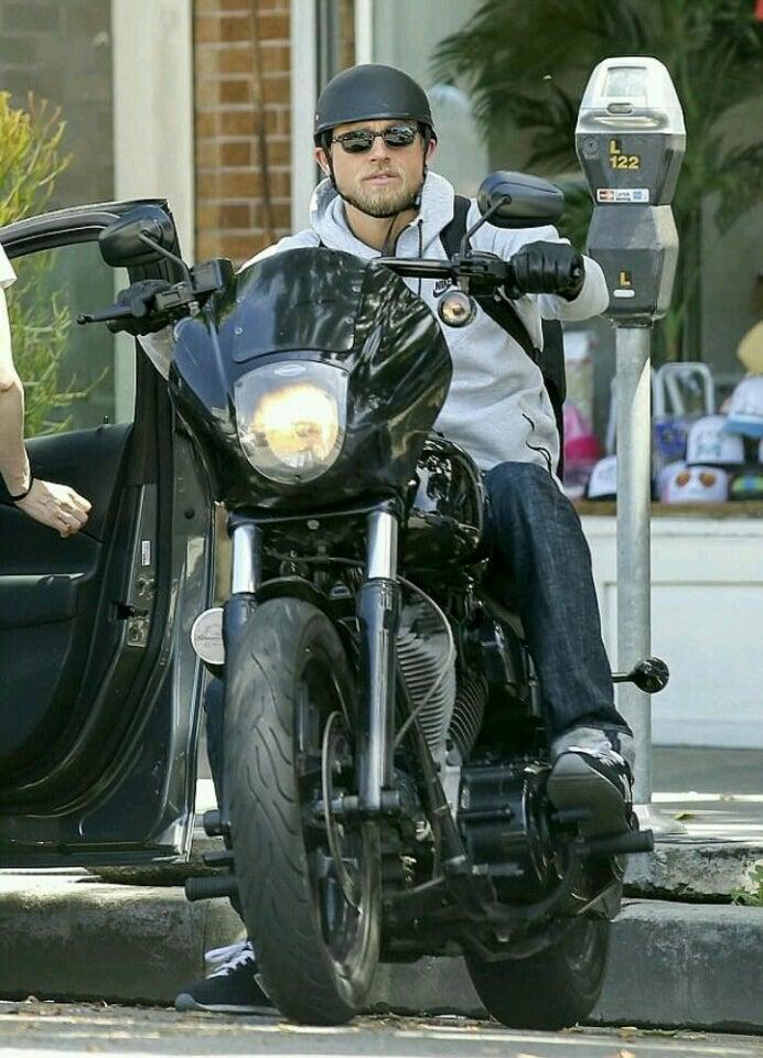 【ハーレー】Sons of Anarchyのキャラとバイクを …