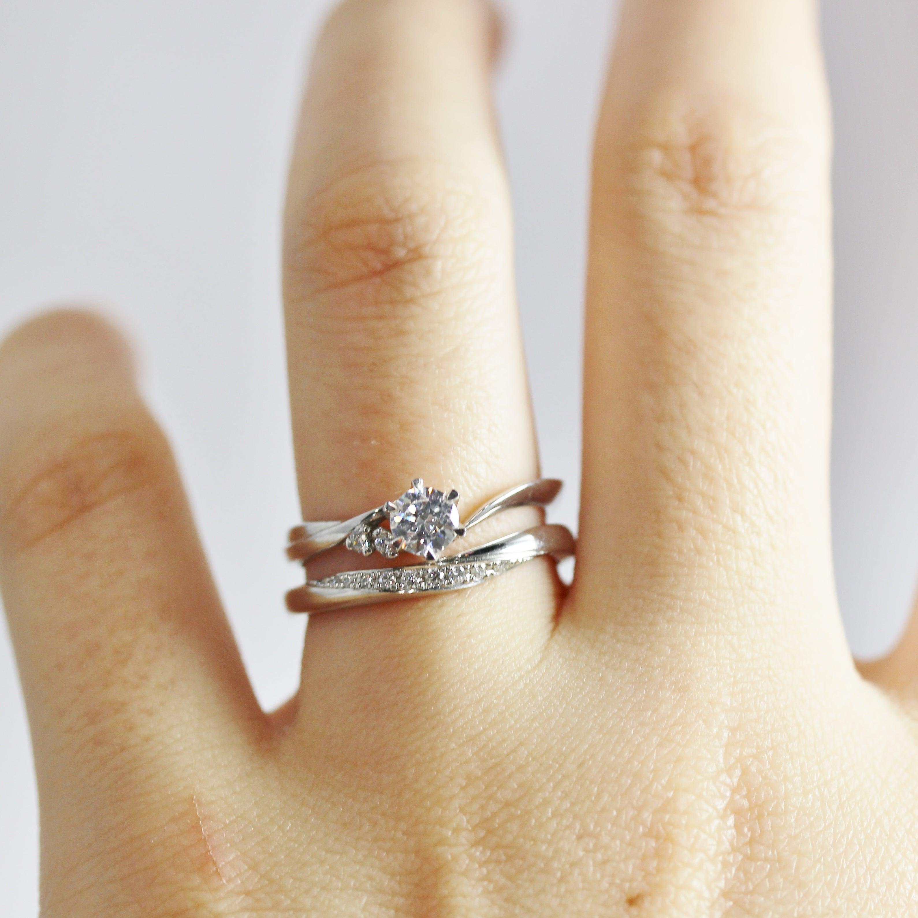 婚約指輪 〈フリージア〉 Pt900 ¥100,000 +ダイヤルース価格