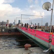 淀川花火の納涼船に乗…