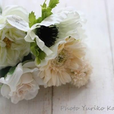 キャンドゥ★花嫁さまも使える造花♪の記事に添付されている画像
