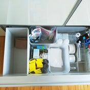 キッチン。掃除道具入れの引出しの整理!