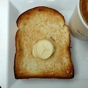 ベンツのオーナー気分のトーストモーニング DOWNSTAIRS COFFEE