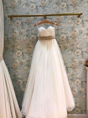 https://stat.ameba.jp/user_images/20170825/13/weddingjob/b8/b5/j/o0300040014012762058.jpg