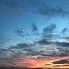 夕暮れと三日月と富士山との画像