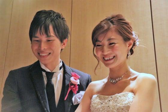 ミルフェリーチェウェディング 出張ヘアメイク ホテルニューオータニ カラードレス 花嫁髪型 ゆるふわアップヘア