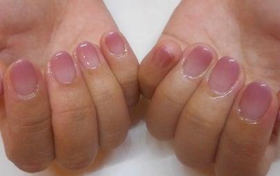そり爪のネイル ジェルネイルで綺麗な爪に/青山ネイルサロンアリュームの記事より
