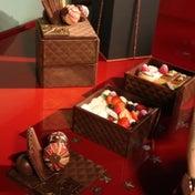 箱ごと食べられる玉手箱 de Noël 限定10台  パティスリー栞杏( リアン)