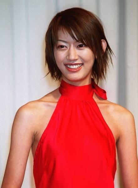 佐藤藍子のドレス画像