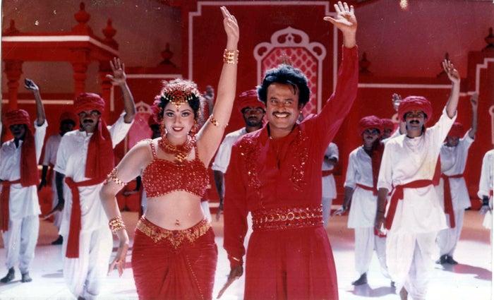 マハラジャ ムトゥ 踊る
