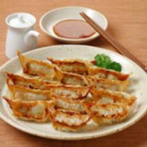 日本の餃子と中国の餃…
