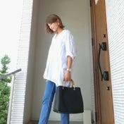 OUTFIT★UNIQLOオーバーサイズシャツ×デニム×ファーバブーシュで大人カジュアルコーデ