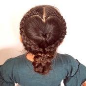 ハートとお団子のまとめ髪♡ハートの編み始めクローズアップ!