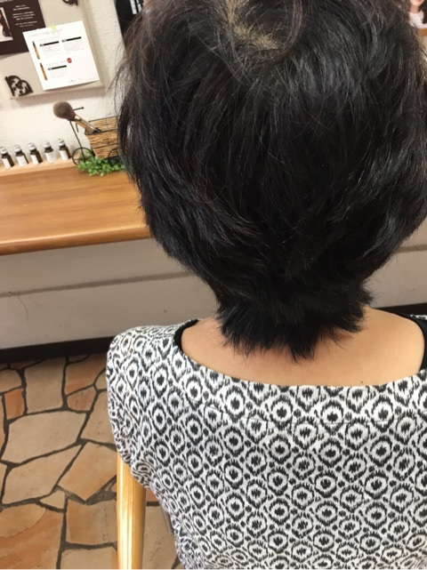 毛流を整える骨格修正カット