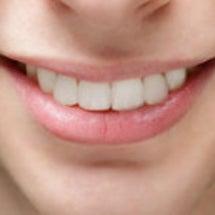 歯が綺麗だと笑顔が綺…