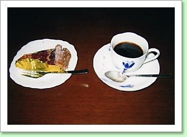 お茶 とお 菓子 の 位置