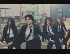 このCMではメンバーが黒のスーツをまとう等かっこよさが魅力の欅ちゃんらしいCMになりましたが特にかっこよさを発揮してるのが
