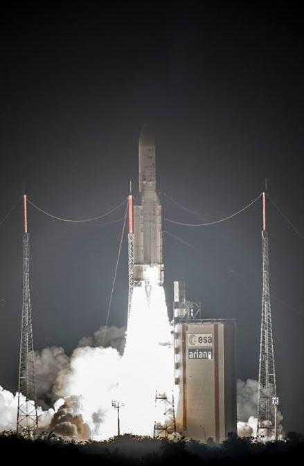 アリアン5が日本のBSAT-4A打ち上げ