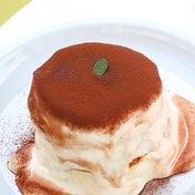 衝撃のプルプル食感!大阪にある下町の時計台で踊るパンケーキを食べてきた!