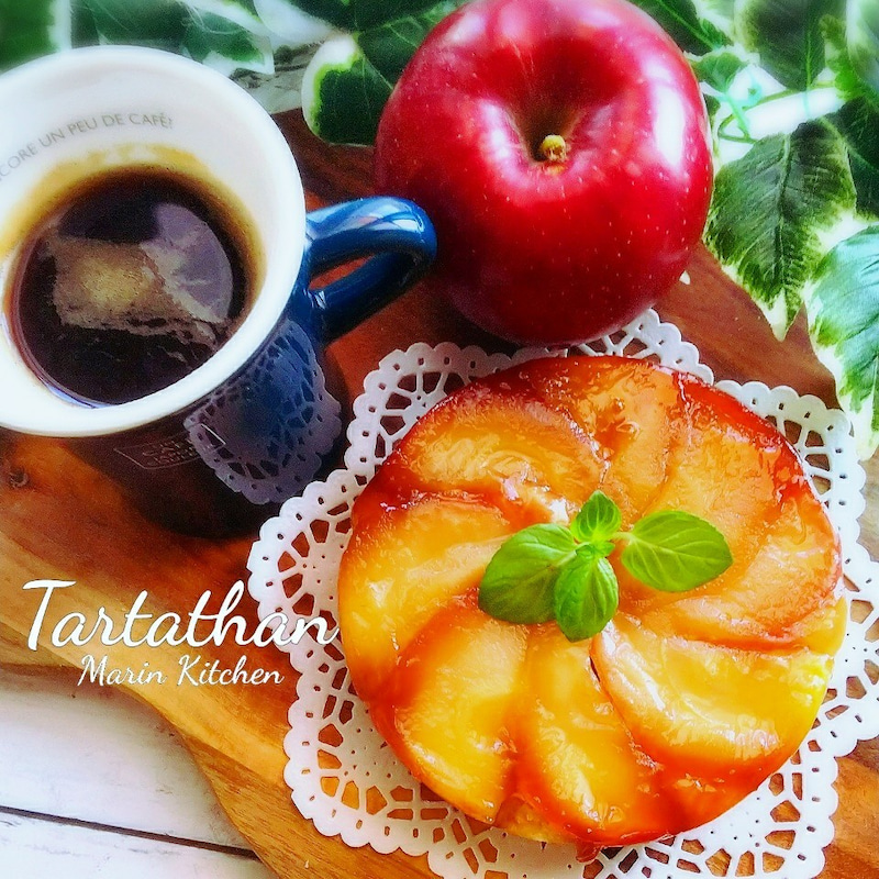 100均型とりんご1個で作る食べ切りサイズのタルトタタン♡