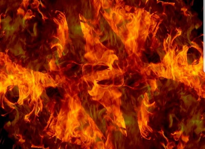 園児に着火、4人焼死=男が燃料...