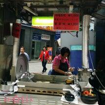 南大門市場で食べ歩き…
