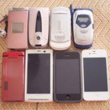 懐かしの携帯たち(^…